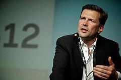 """Steffen Seibert von Gregor Fisch Quelle: Flickrs Wikicommons   Grafik"""">"""