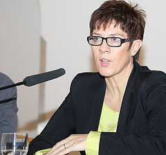 kramp karrenbauer photo